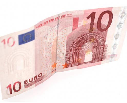 Voor maar € 10 per jaar de paardenroutes open houden.